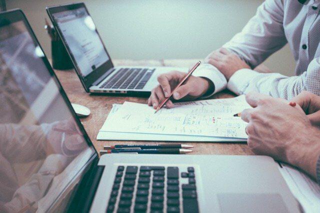 Jak znaleźć pracę w internecie?